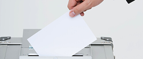 選挙「不要不急の外出にあたらず」首相、緊急事態でも延期否定。ウェブ投票の基盤を構築してください(巻きで)