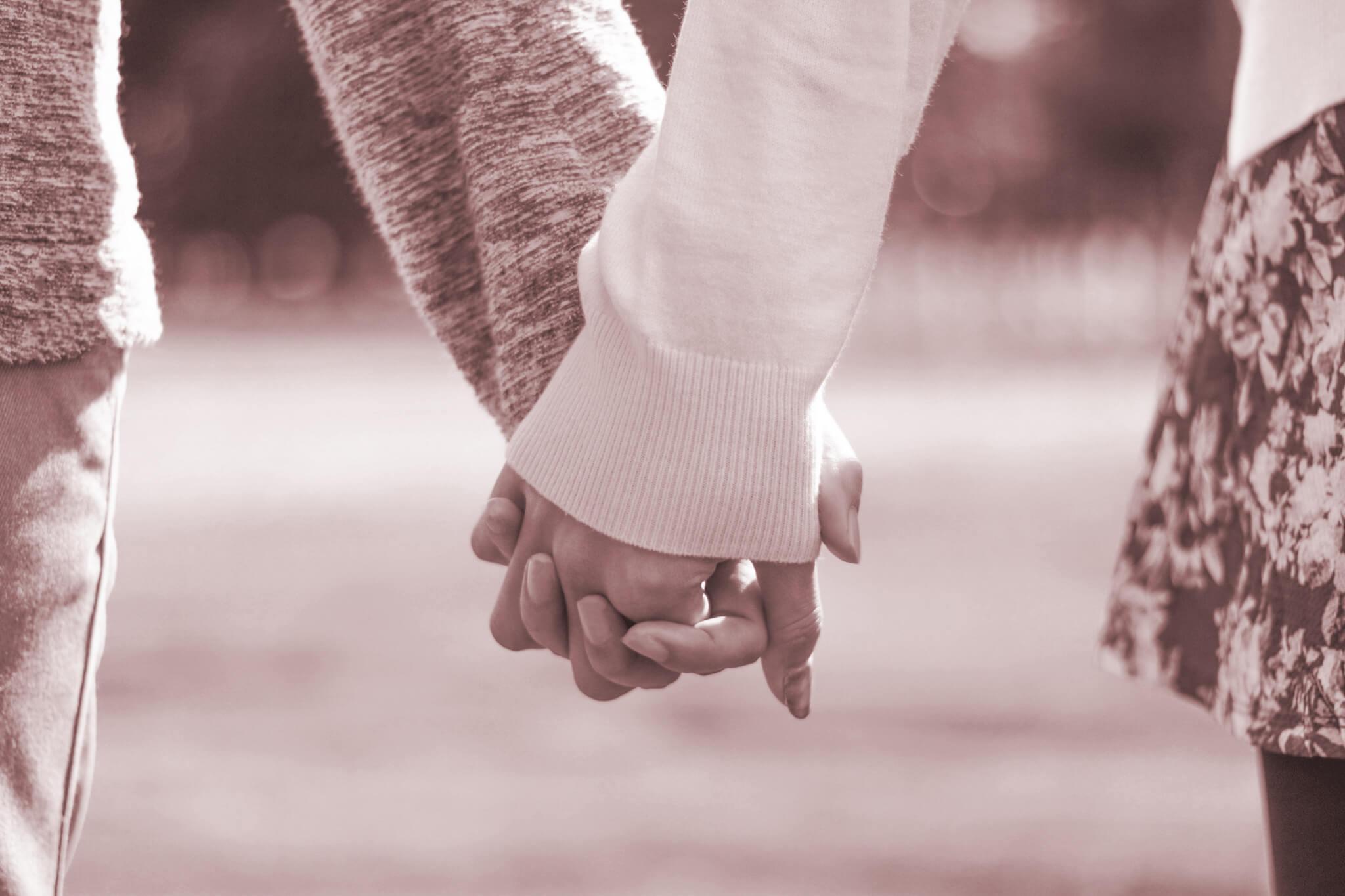 これは納得の研究論文!性交渉の頻度が高い女性は閉経が遅い